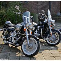Motorrijden voor de gezelligheid en de liefde voor de motor
