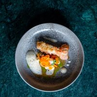 Tweesterrenchef Edwin Vinke kookt samen met Torben Bouterse in Restaurant Hemingway